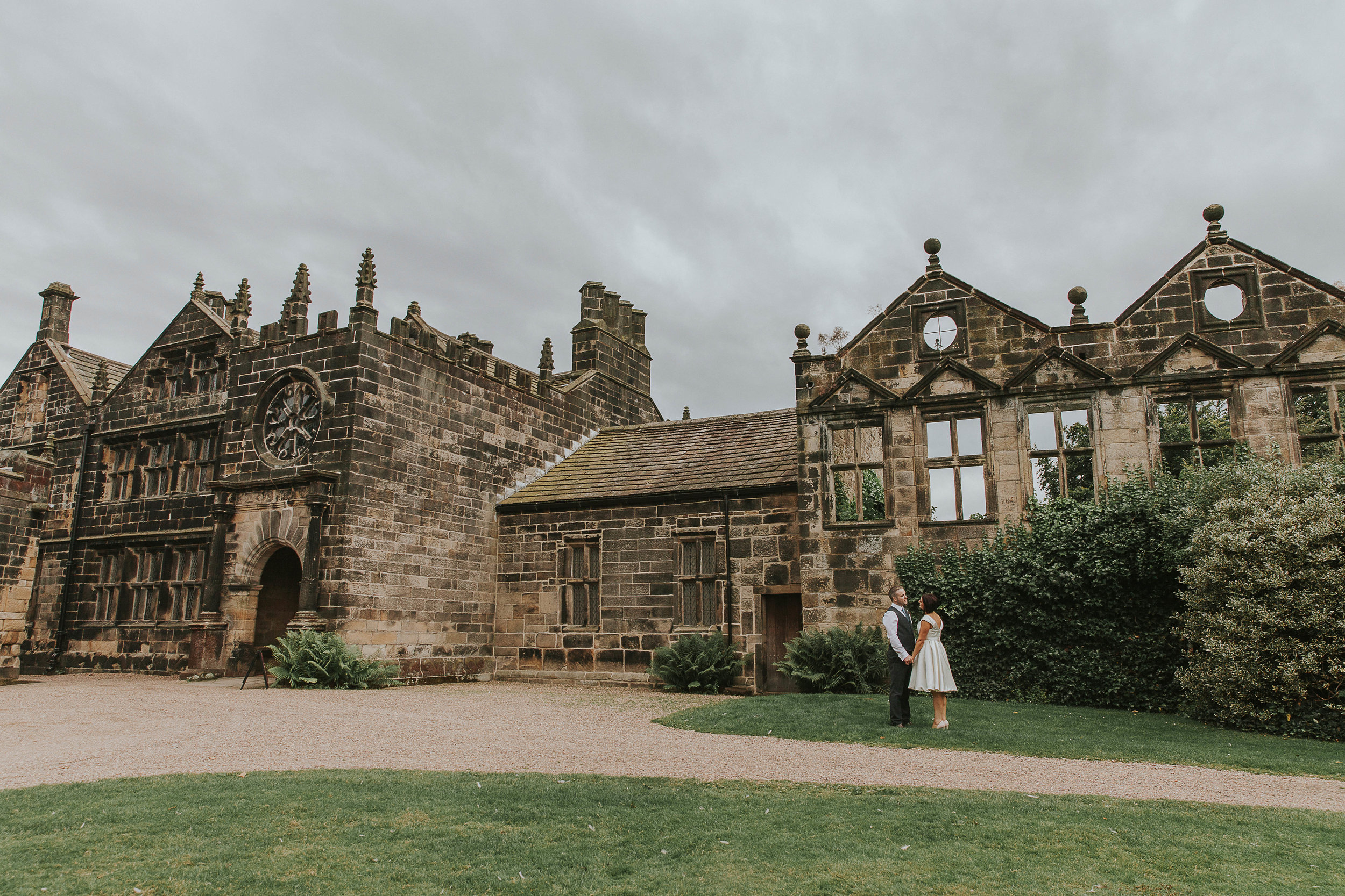 East Riddlesden Hall Wedding Photography (70).jpg