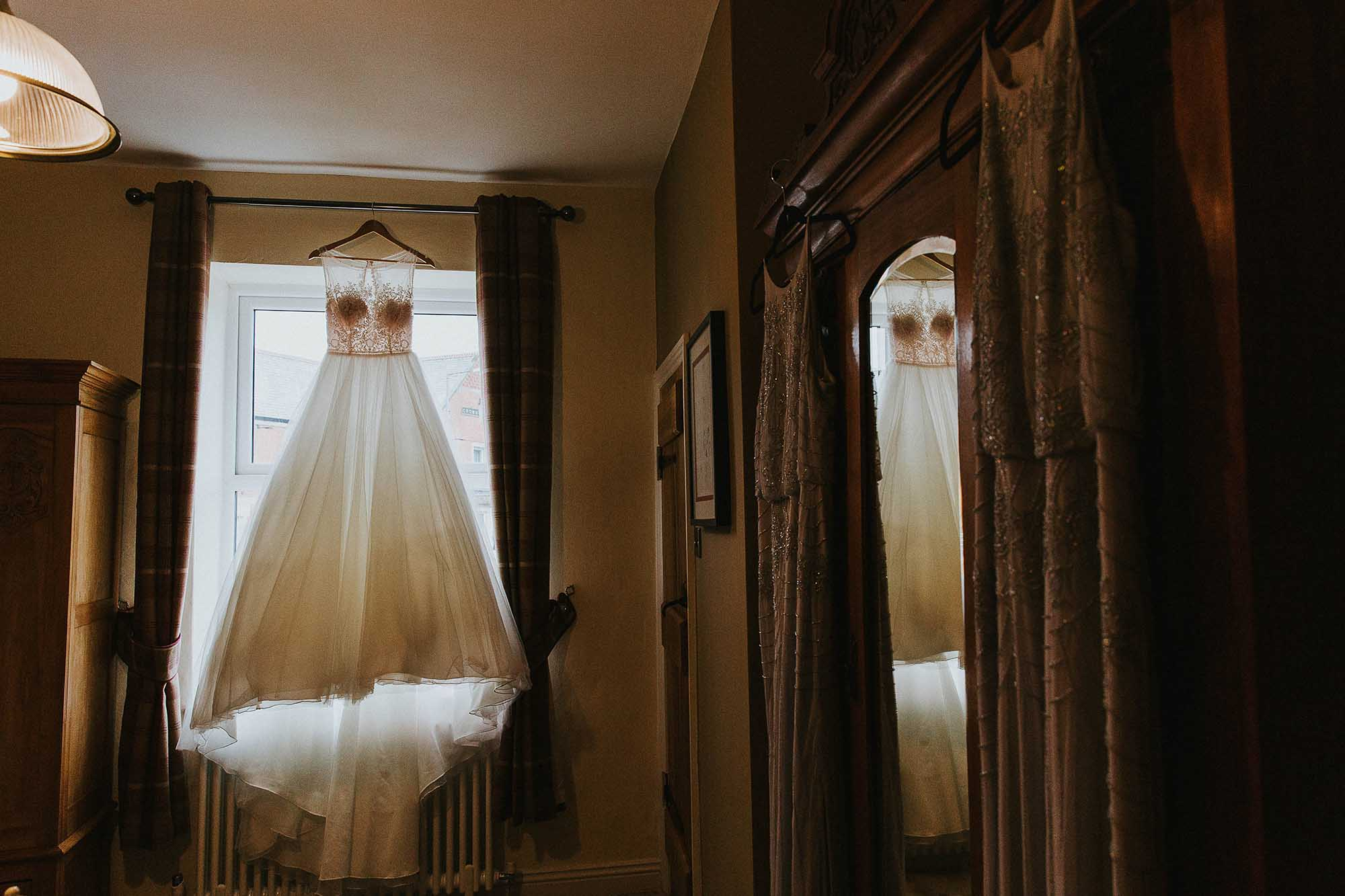 natural wedding photography in Bolton