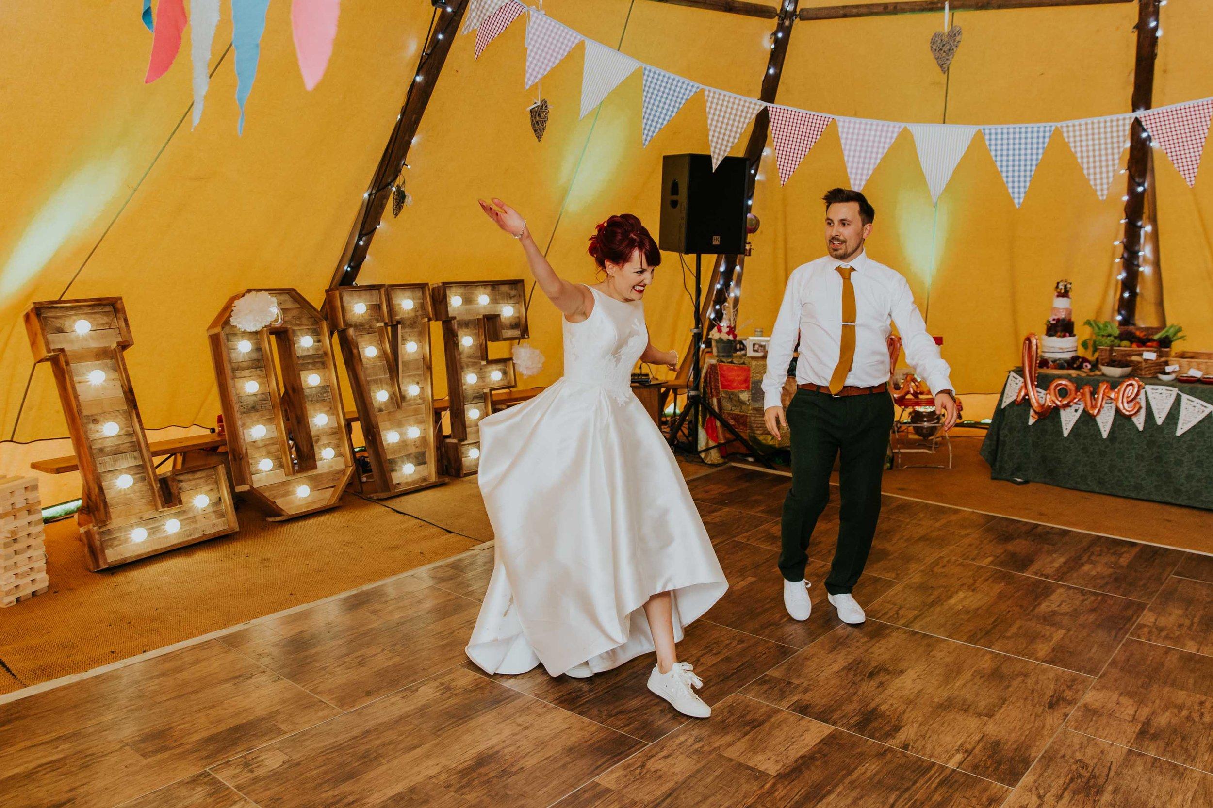 teepee wedding Lancashire (37).jpg