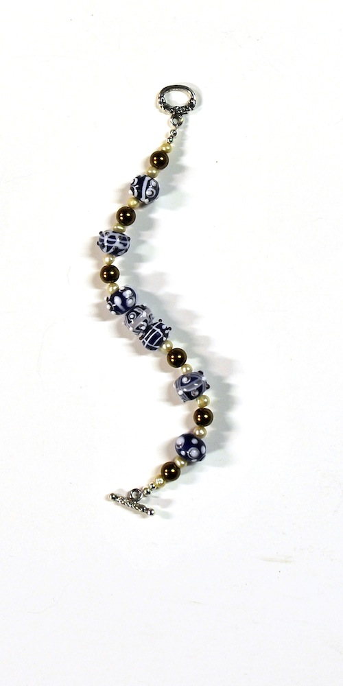b_blue_white_beads_no_tag.jpg