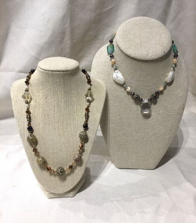 Whether you want calm and neutral or a pop of color💙🌟 we have something for you! Shop new styles on our Etsy today! https://buff.ly/2ClMUpY⠀ .⠀ .⠀ .⠀ .⠀ .⠀ #susujewelryshop #susujewelry #etsyshop #etsyjewelry #etsyhandmade #etsyundiscovered #shopsmall #laudiemaris #greenvillesc #warmweather #gvlifestyle #shoplocal #jewelrydesign #fashionandfun #unique #jewelrydesigner #smallbusinessmarketing #accessories #jewelryart #fashion #fashionblogger #etsyaccessories #etsysmallbusiness #beadedjewelry #beads #giftgiving #fashionblogger #colorfuljewelry #beadeddesign