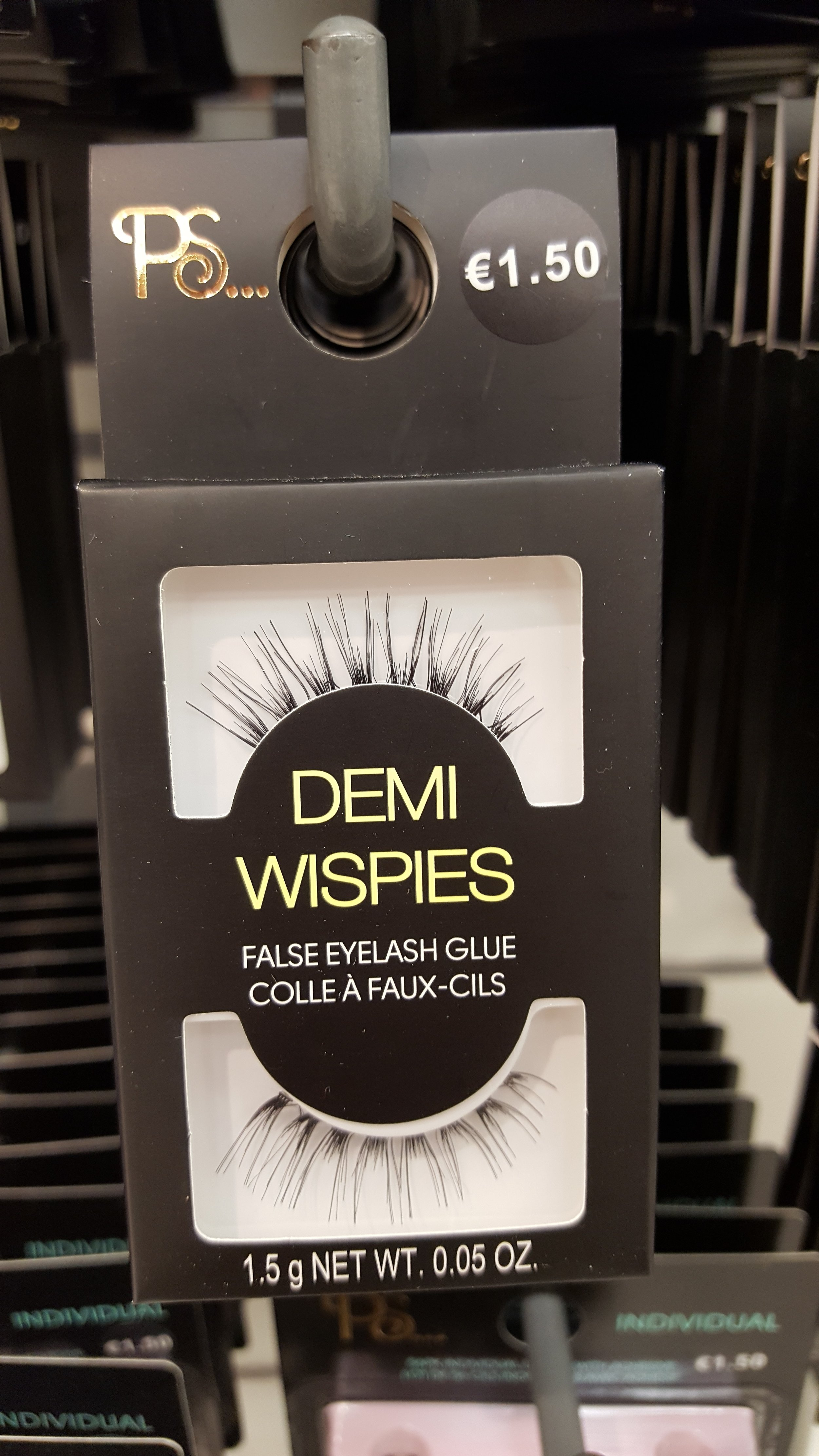 These amazing lashes are a dupe of MAC cosmetics demi wispies. WIN.