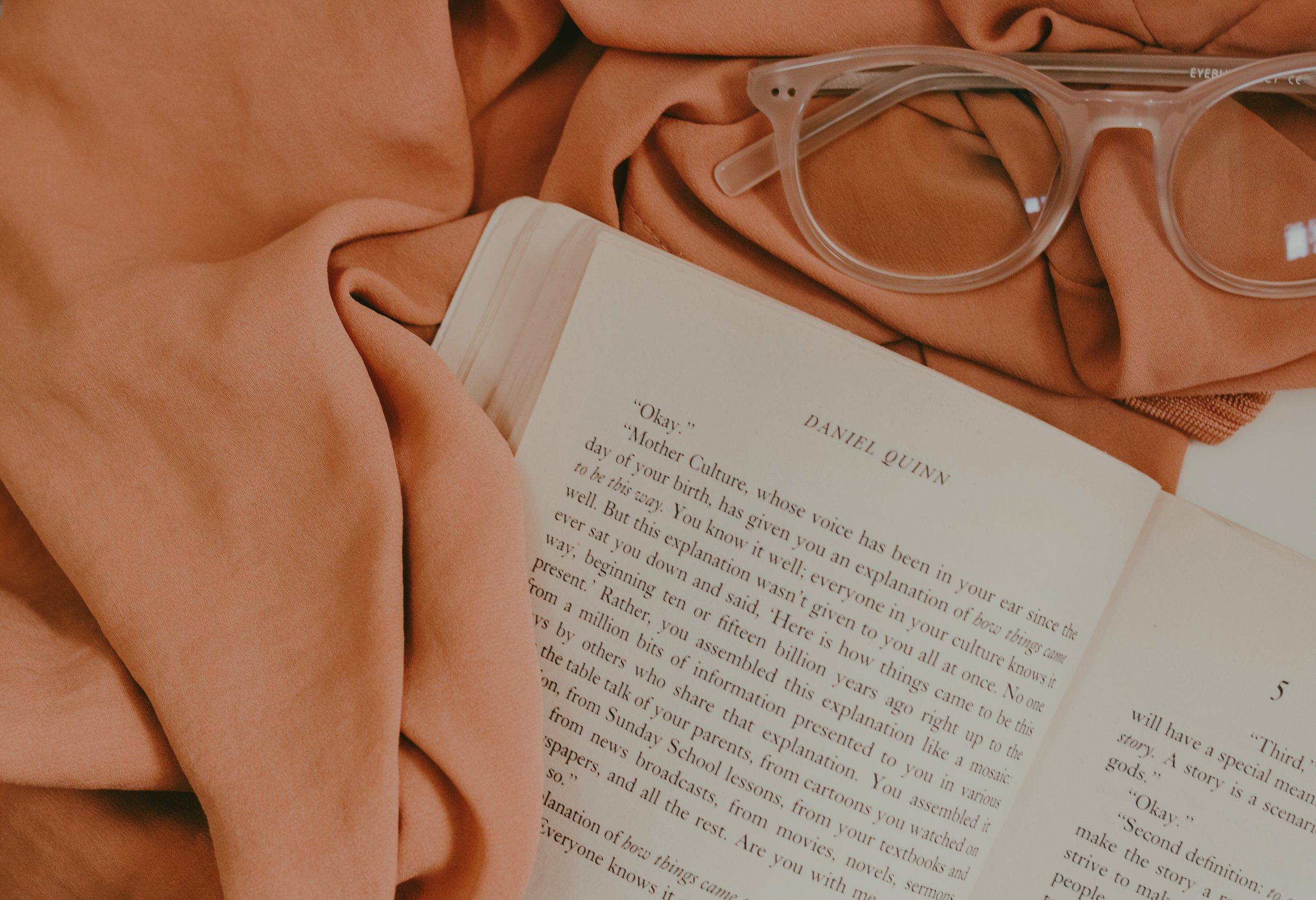 Autumn Reads - Fiona Points