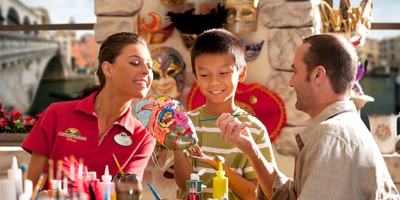 Venetian Mask-making | © Disney