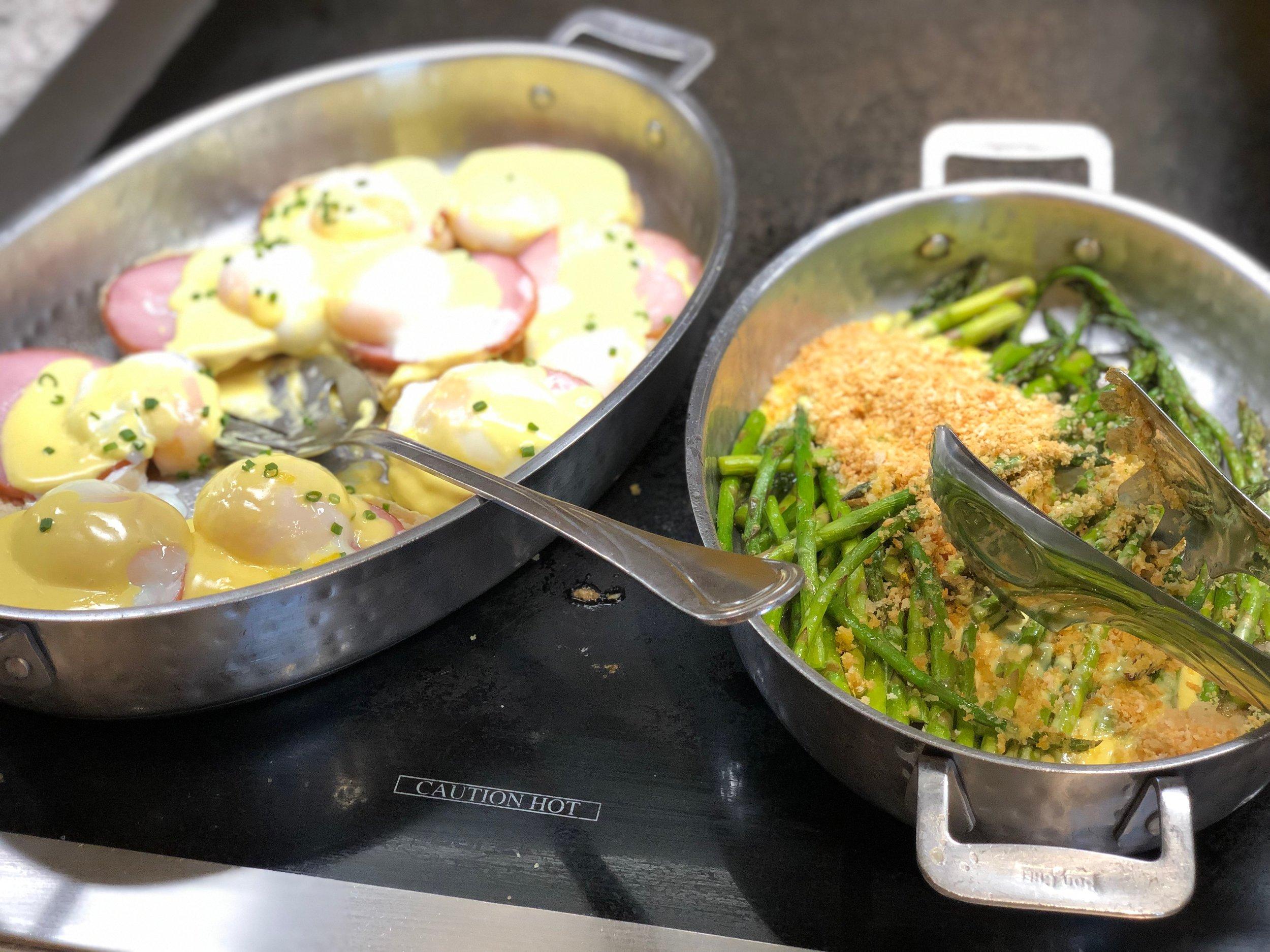 Eggs Benedict & Asparagus - Chef Mickey's