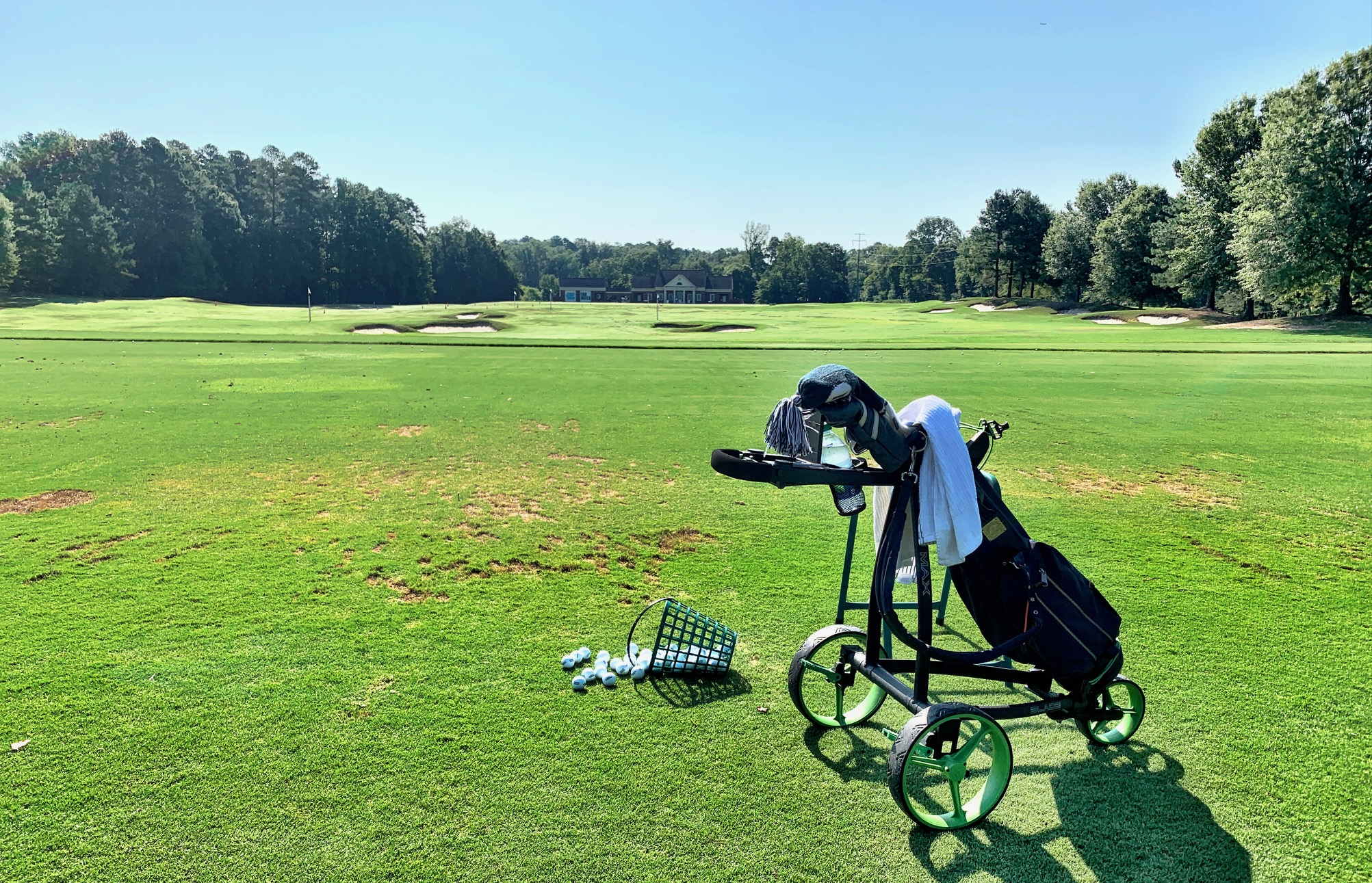 "They love ""trolleys"" in Great Britain and Europe, and high-tech models like the IP Blade from Big Max Golf are finding their footing in the United States."