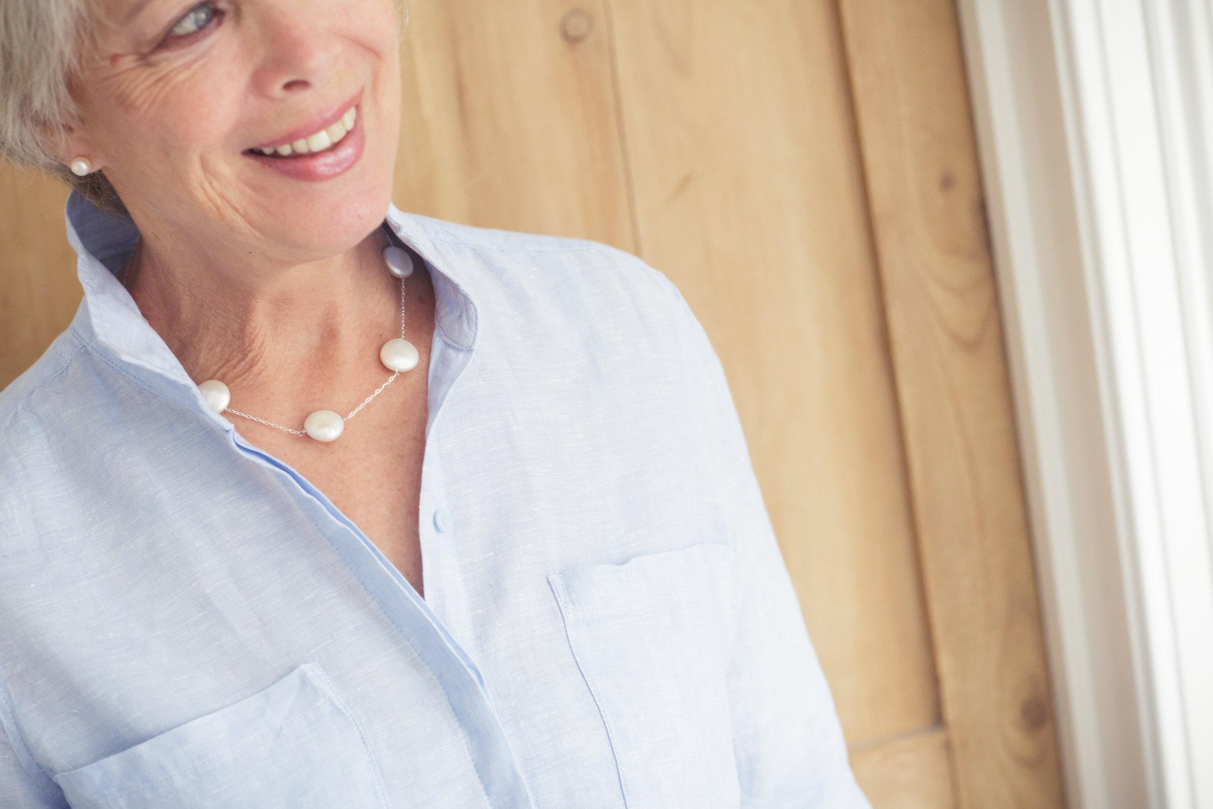 Gilly+-+blue+-+silver+&+pearl+001.jpg