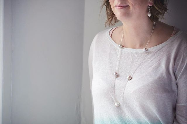 Pearls! How do you like to wear yours? Long or short? Contemporary or classic? Understated or statement? Whatever your style we have a great range to choose from at the rocks collection. Why not come along with a friend or two to our Prosecco and Pearls event and try some on to suit your style over a relaxing glass of bubbles. We will be at 4 Berkeley Square, Clifton, Bristol on Thursday 2nd May from 4pm-9pm. Hope to see you there