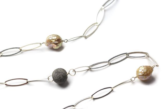 Pearls never seem to go out of fashion, particularly  when paired with beautiful silver chain, worn short or long. Such a versatile organic gem. Come along and browse the new baroque pearl collection over a glass of bubbles. Thursday 2nd May 4pm-9pm Berkeley Square House, 4 Berkeley Square, Clifton, Bristol