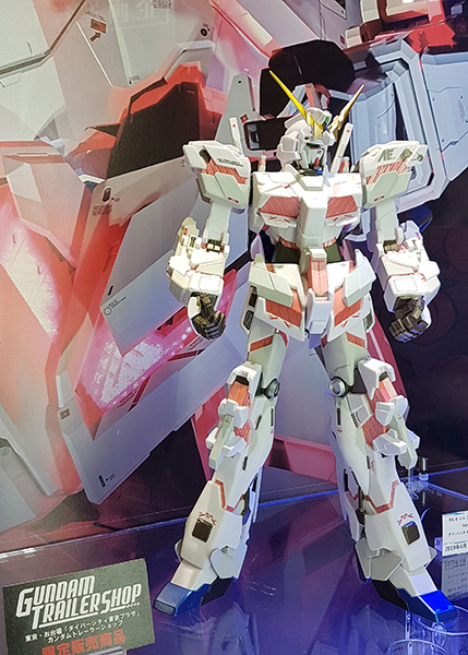 enjoy-rare-gundam-figures-at-animejapan.jpg