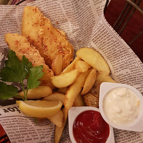 Fish 'n' chips served in The Hub pub, Tokyo. Image source: authors own image