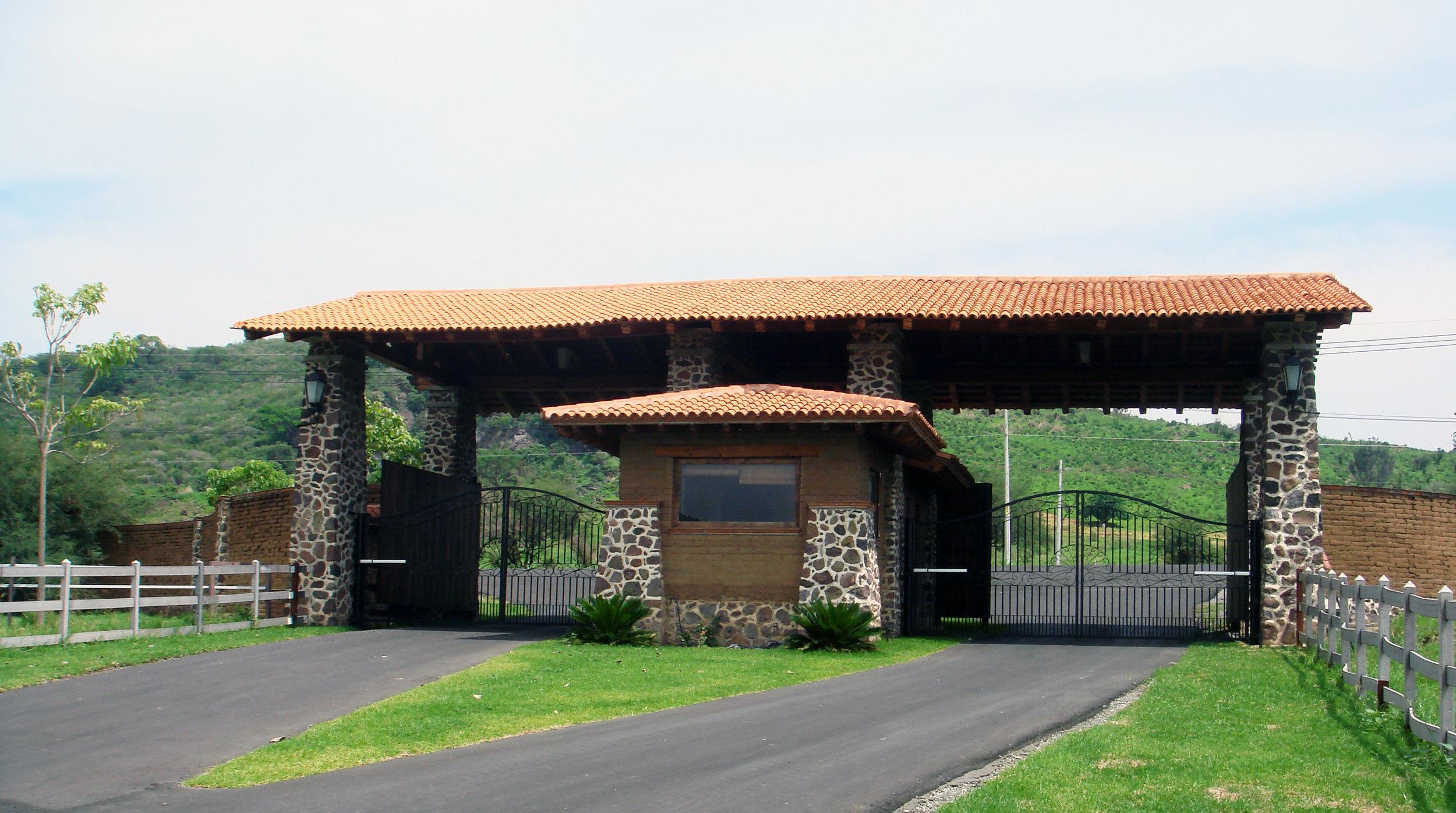 Fernandez Survaillance Quarter