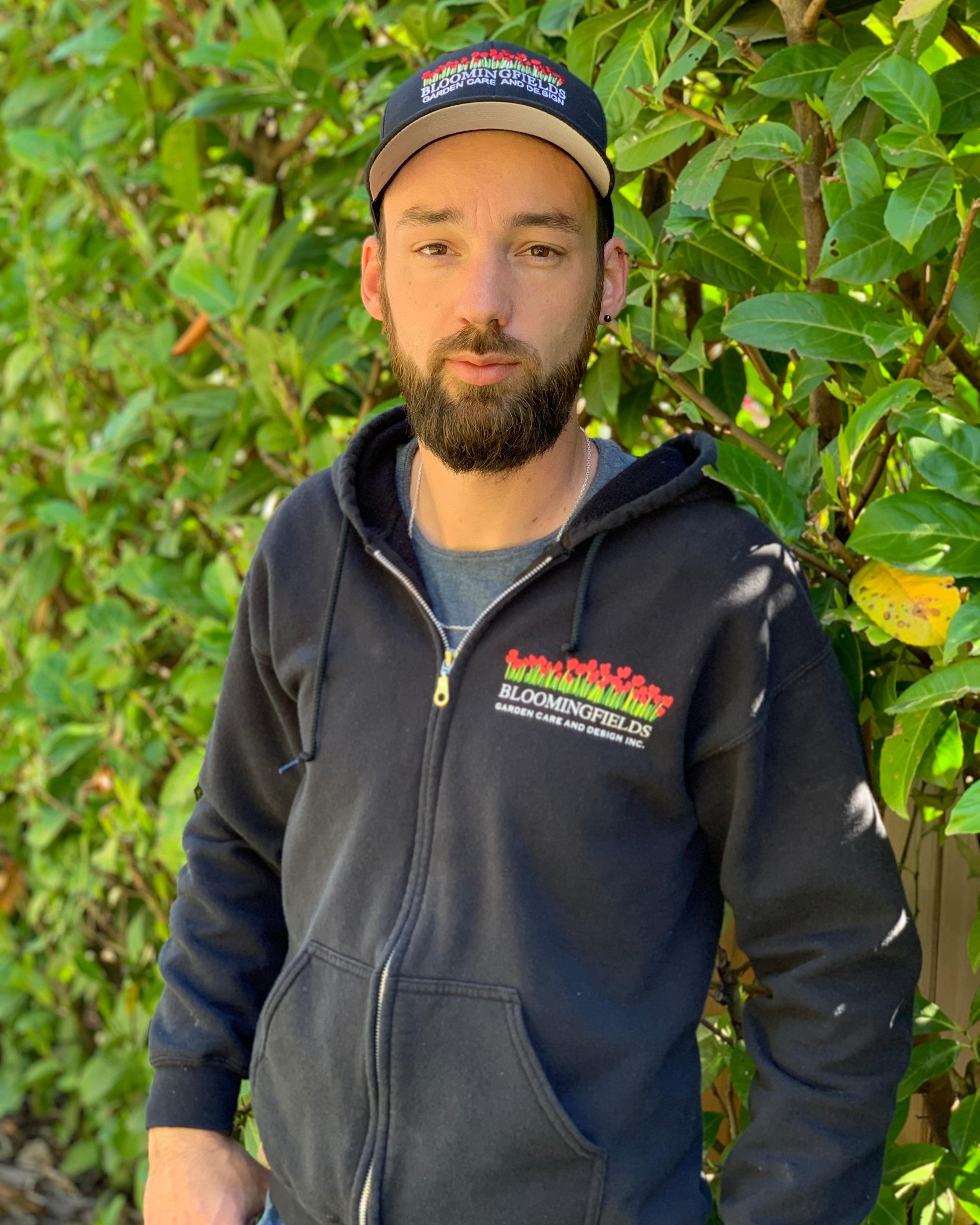 Alex NeveuProject Manager -