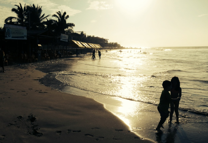 beachkiddos.jpg
