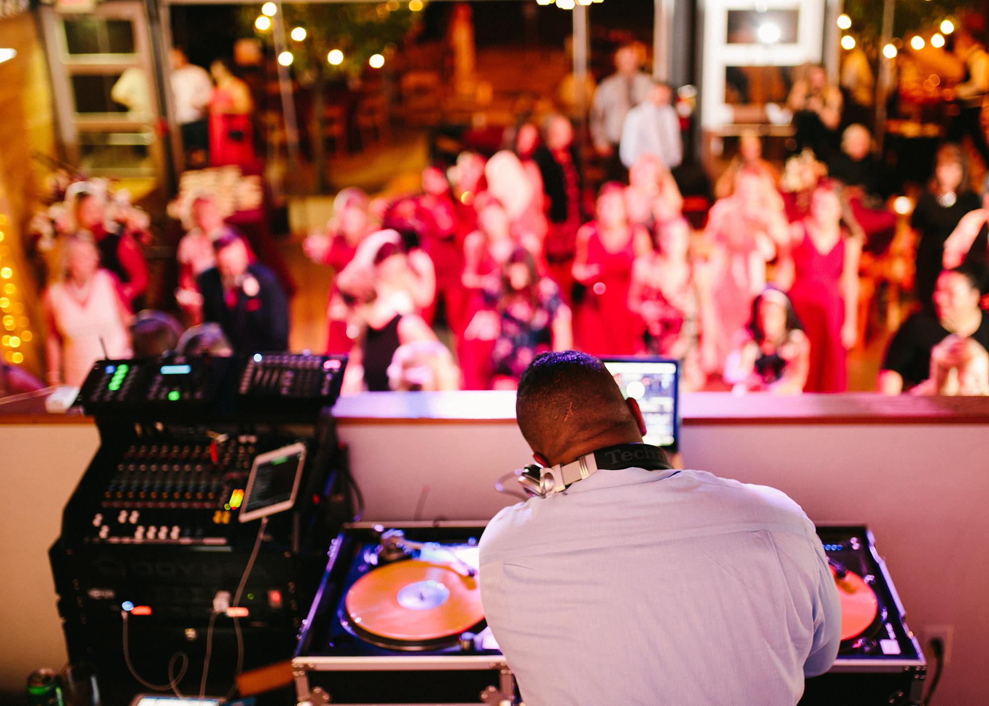DJs - Fernando ProductionsDJ Alex ReedElite SoundsIcon Event GroupJukeboxx Media Elite EventsHiRise DJs