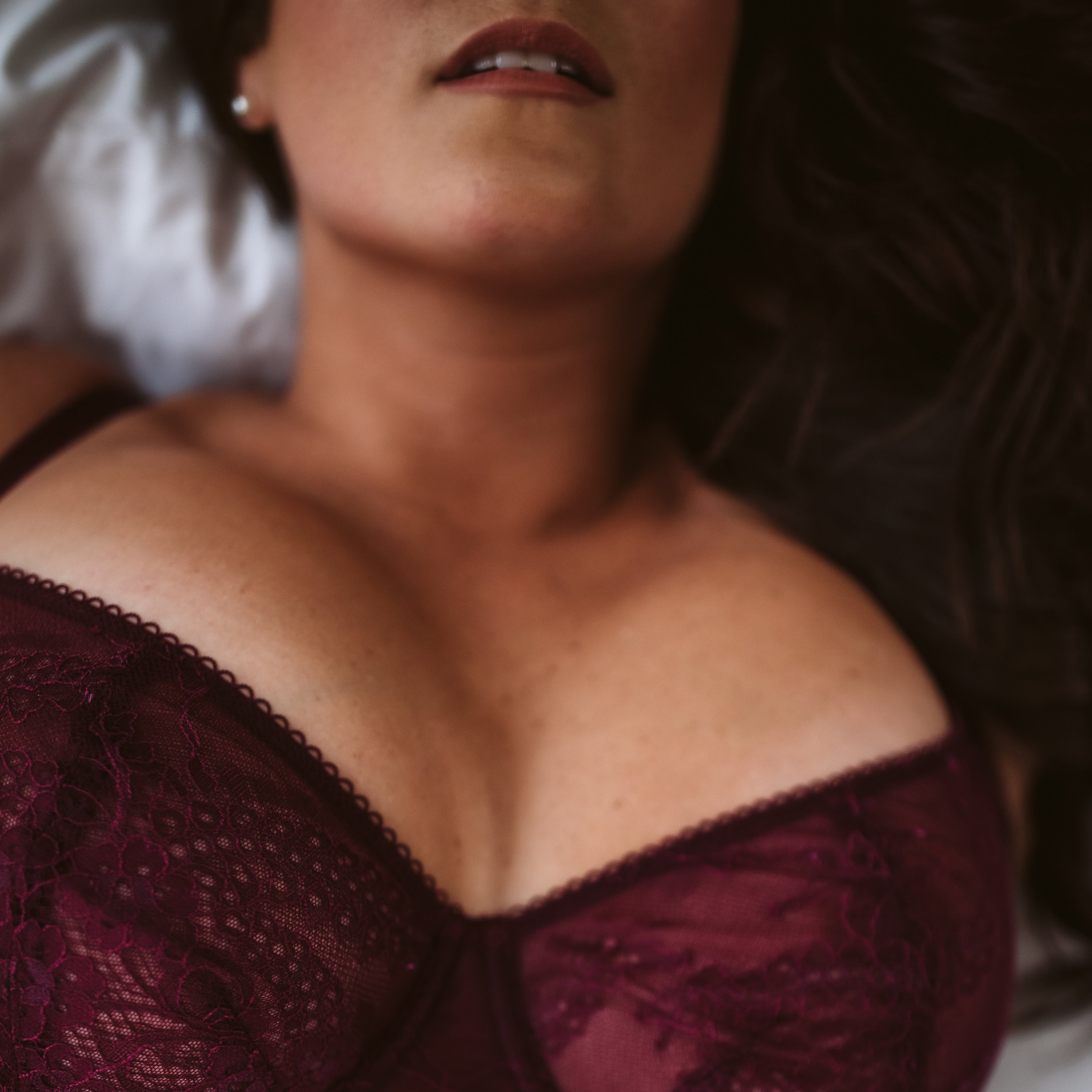 Body-Positive Boudoir $850 - + professional hair & makeup+ mimosas & light snacks+ 1-hour in front of the camera in our private studio+ high-resolution online digital galleryCustomize your boudoir session:+ boudoir video+ heirloom albums+ wooden print boxes+ custom USB drive + canvas or metal wall art prints