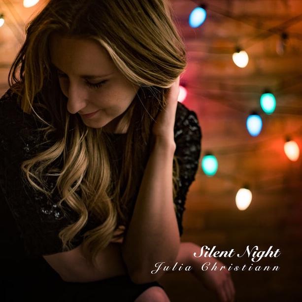 Julia Christiann :: Silent Night (Single) (2017)