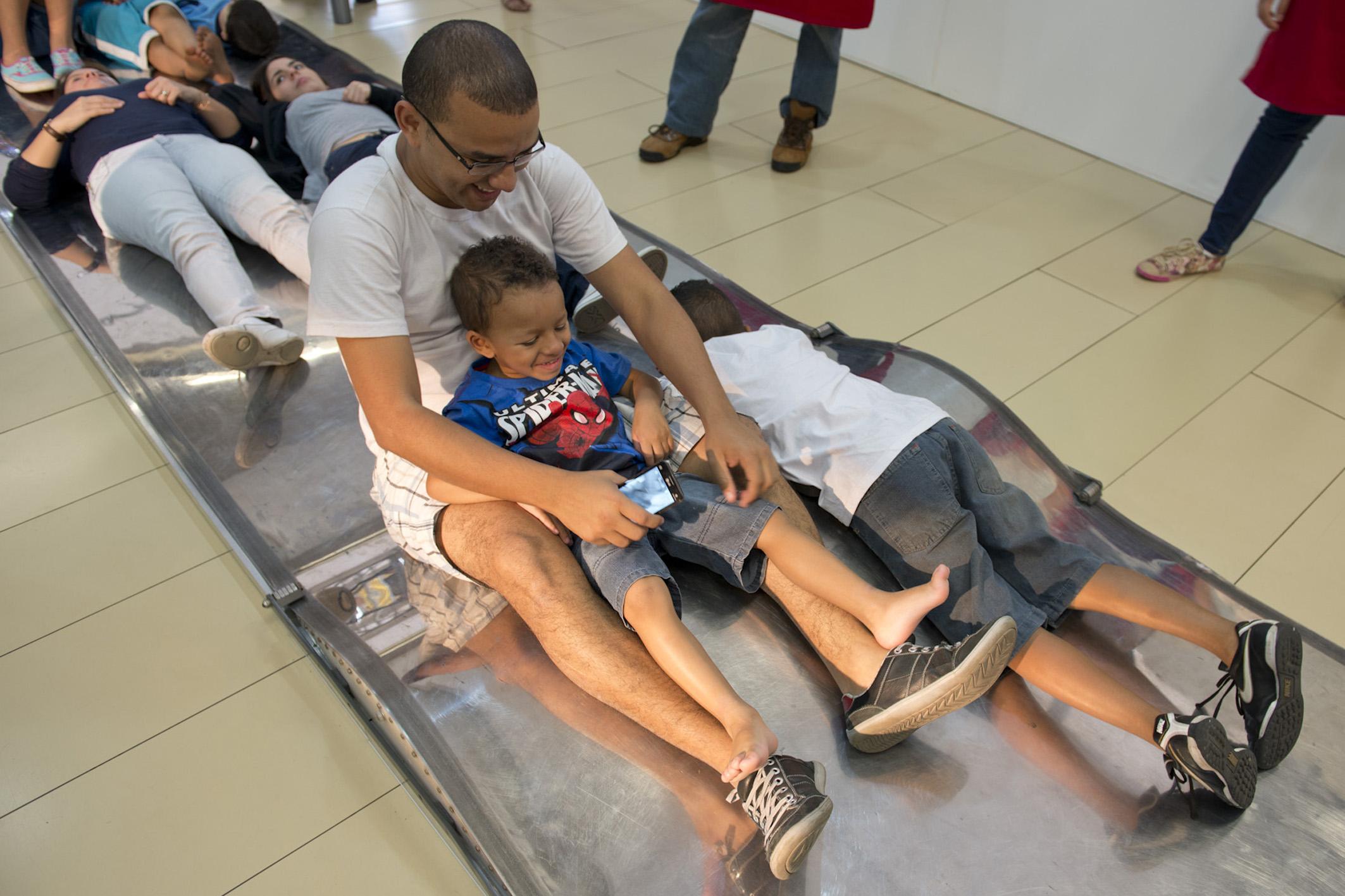 SESC ITAQUERA - O que é, o que é? Artes para criançasSão Paulo | Brasil2013