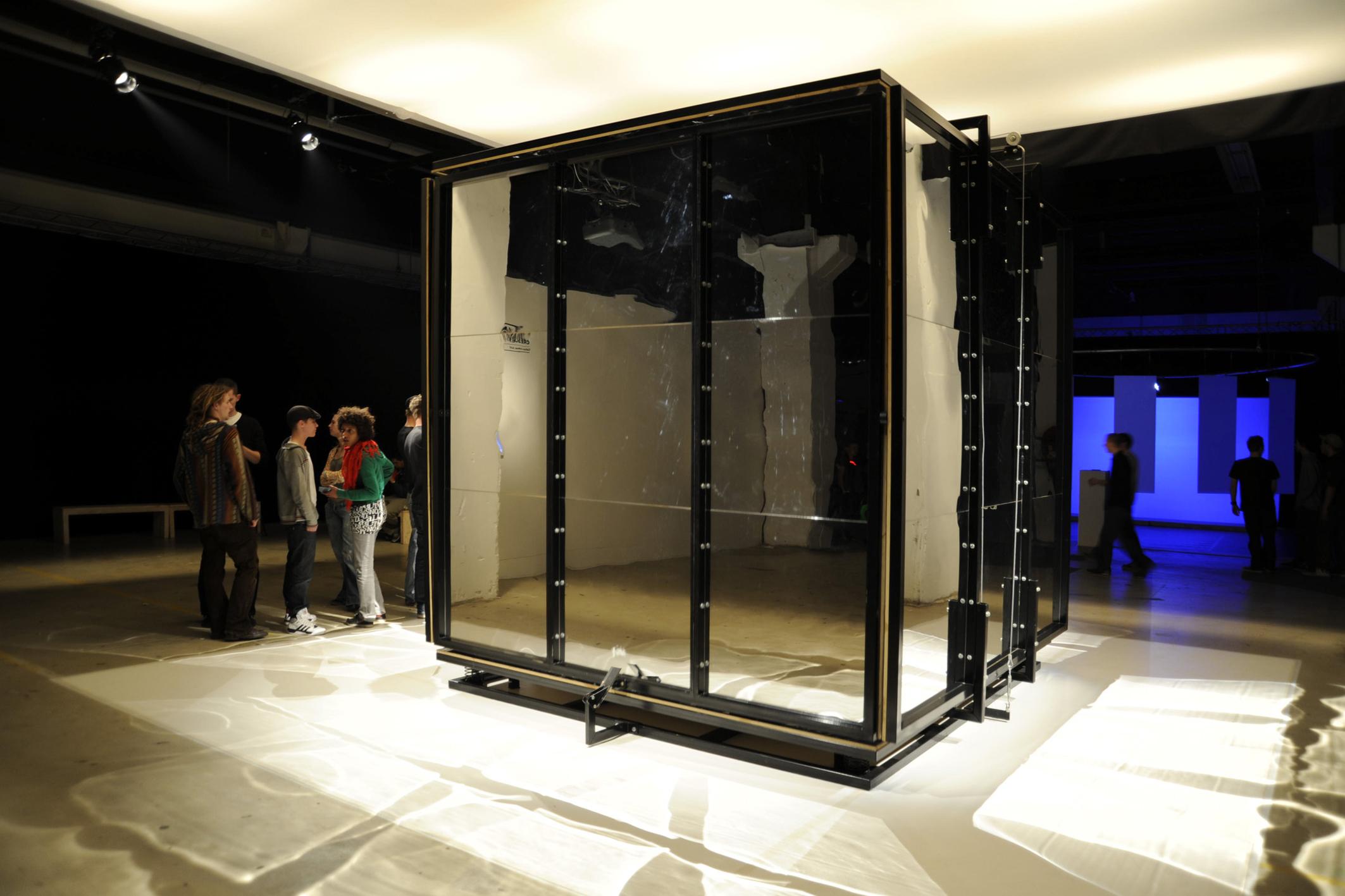 infinite cubed | infinito ao cubo    @ strp festival 2009   + expo