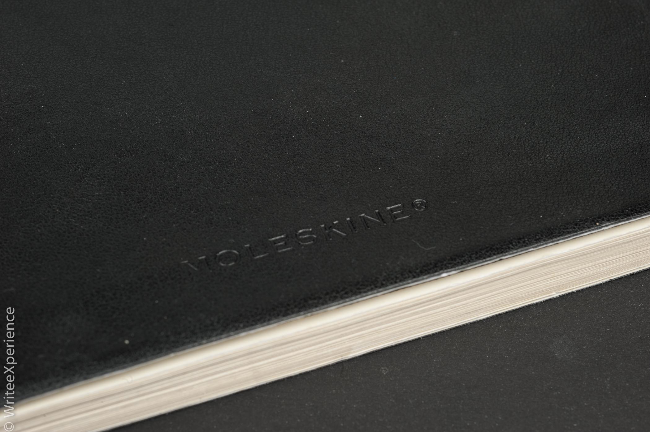 WriteeXperience-Moleskine-Classic-Notebook-3.jpg