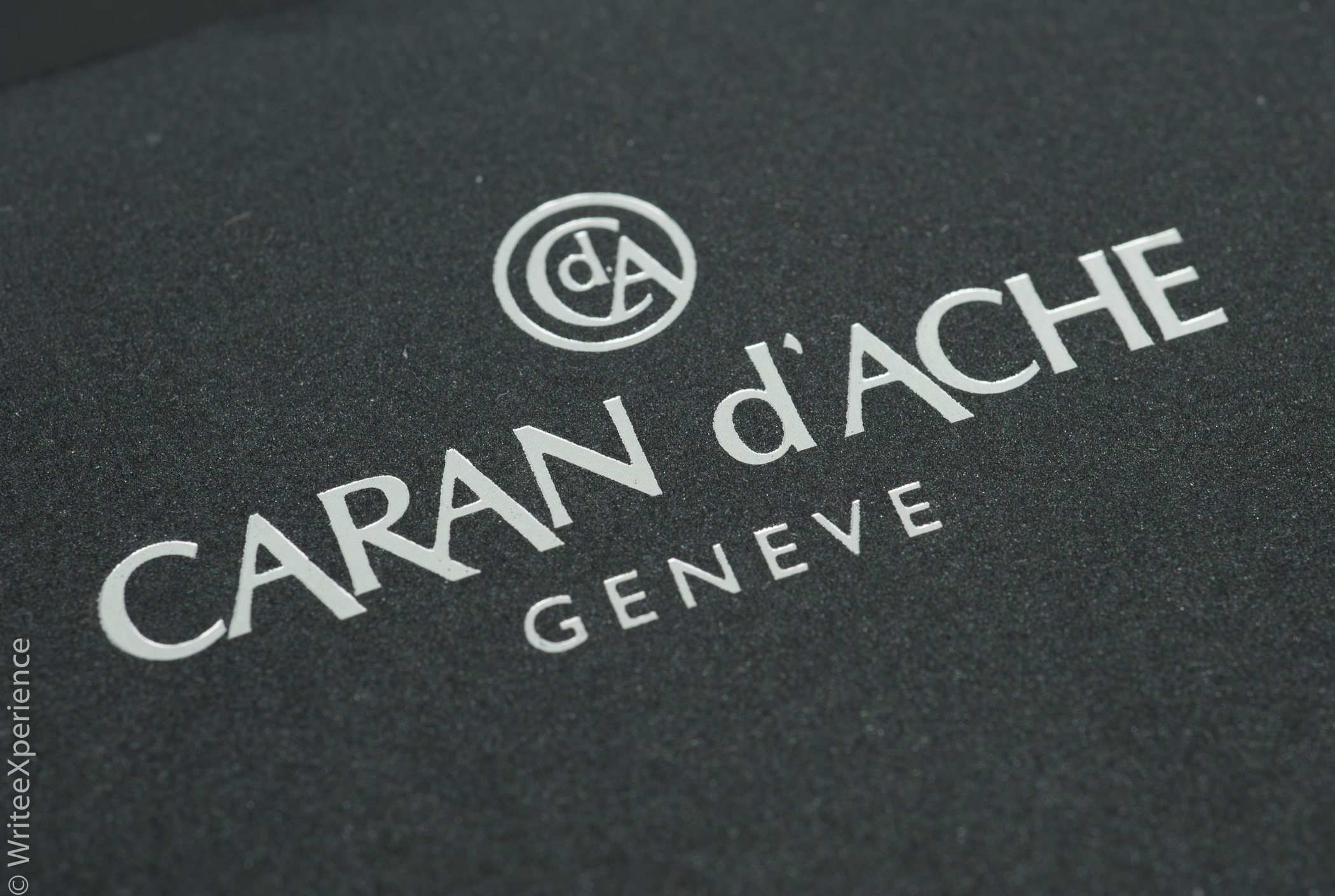 WriteeXperience-Caran-dache-noblewood-pencils-5th-3.jpg