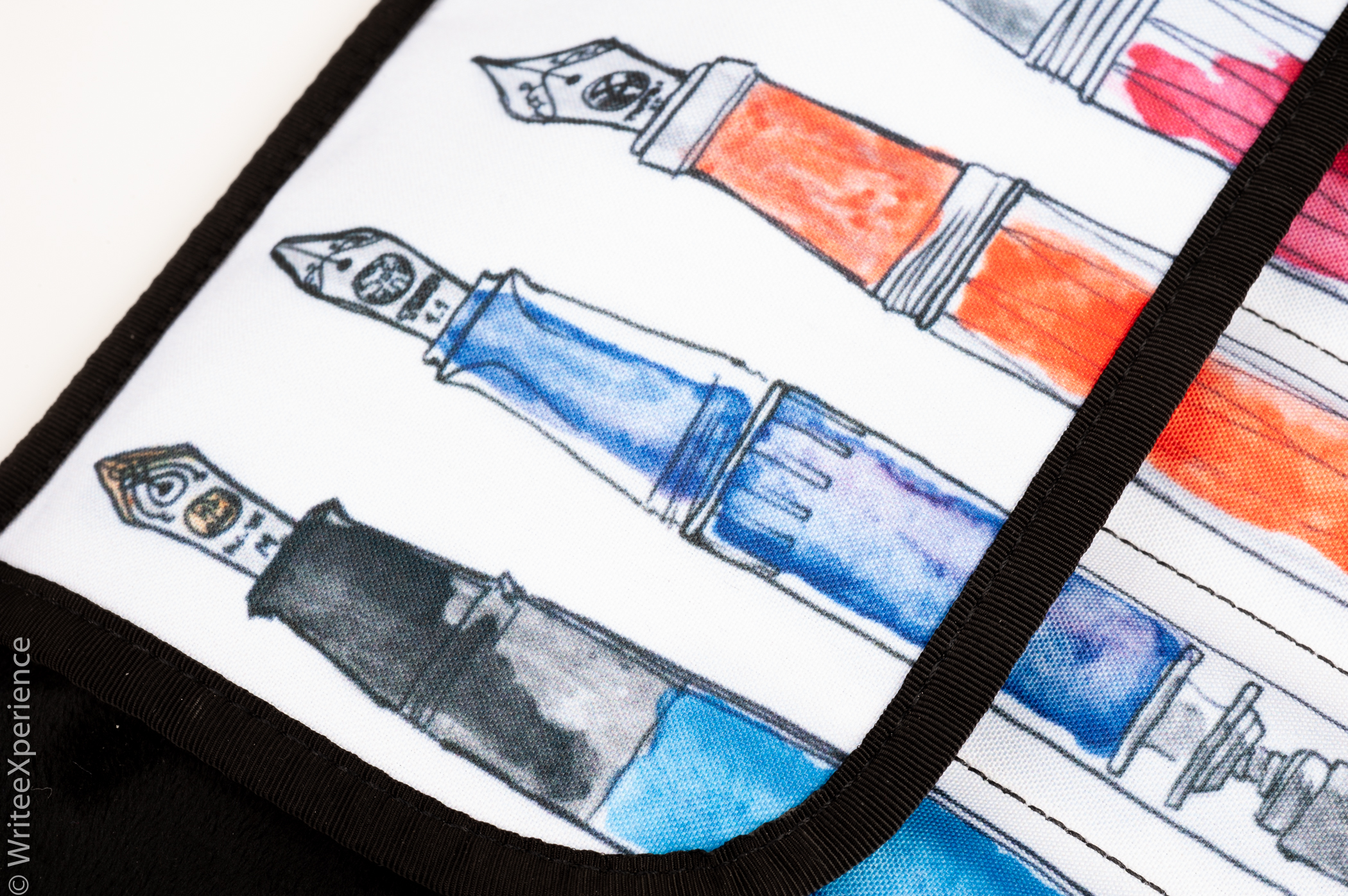 WriteeXperience-rickshaw_bags_pen_roll-6.jpg