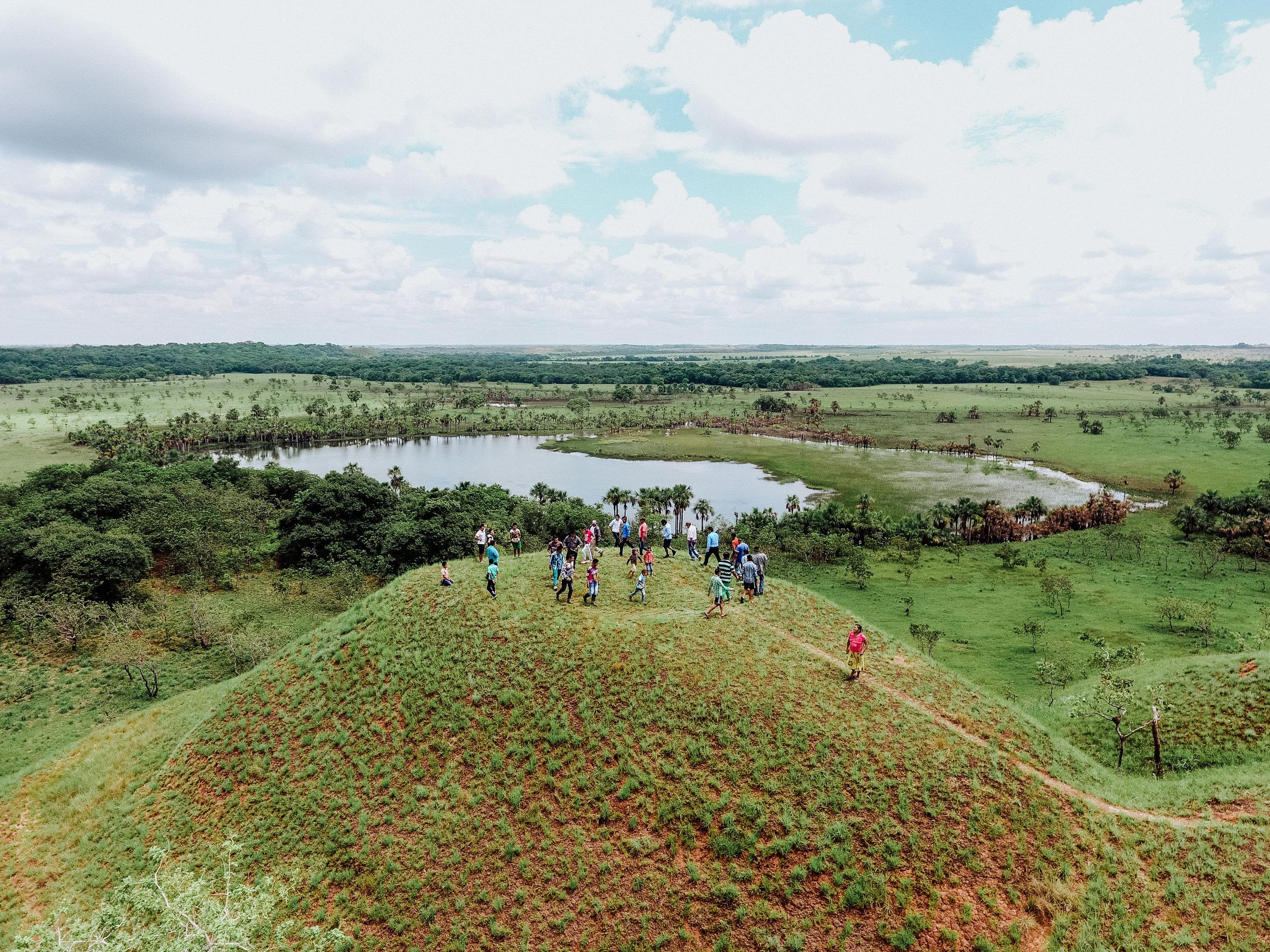 - Laguna sagrada ubicada en la comunidad de Campo Alegre,parcialidad Campanas-Puerto Gaitán Meta.Danza de La Campana. | Fotografía: Aica Colectivo.