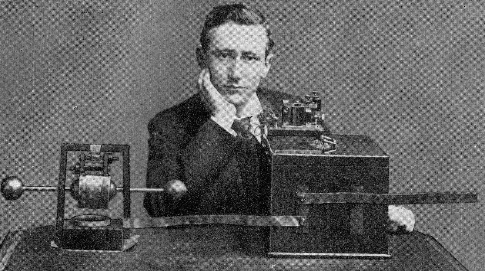1895- Guglielmo Marconi
