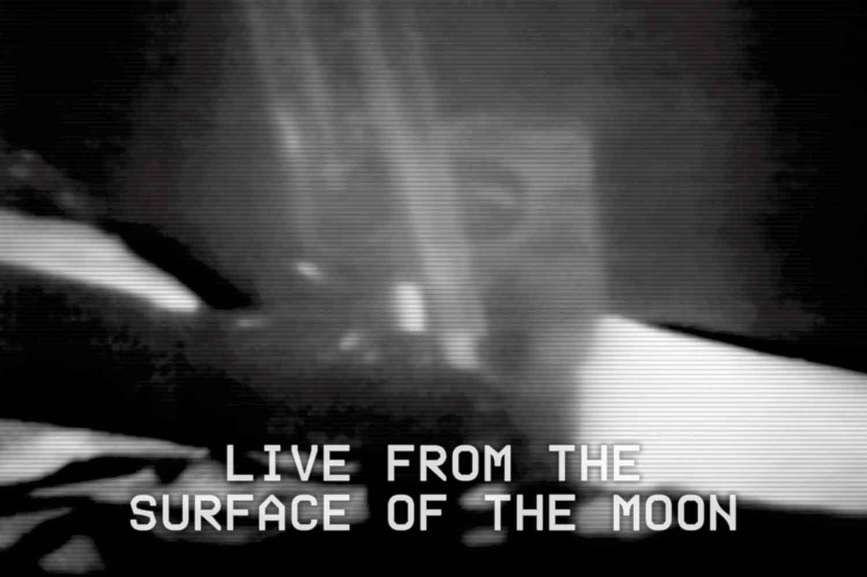 25_1B_Apollo-11-Armstrong-Moon-Walk_v2_NOTEAR_resize.jpg