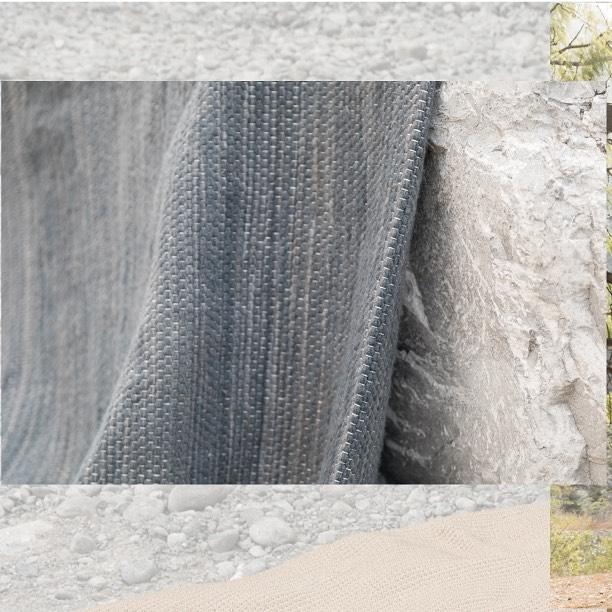 One of a kind ✨ Tapete rectangular de lana artesanal tejido a mano con trama cerrada. W300cm x L400cm.  DM / info@bymura.com para detalles. MODELO EN EXISTENCIA.  #ByMura #custommade