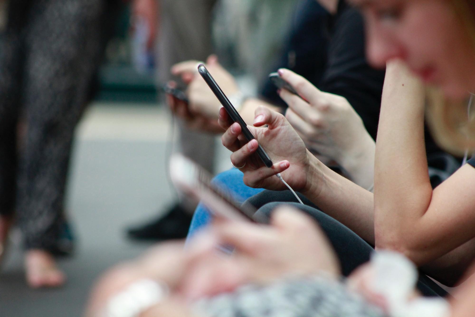 socialphone.jpeg