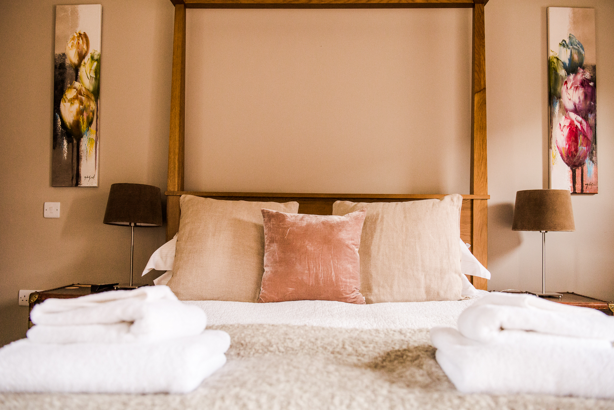 Room 2 - Cosy up in this beautiful and romantic room with direct views of the South National Downs Park. This room has it's own private entrance, a comfortable 4 pilar bed, and a beautiful private bathroom with skylight and the most inviting bath.This room can only be booked as a double.
