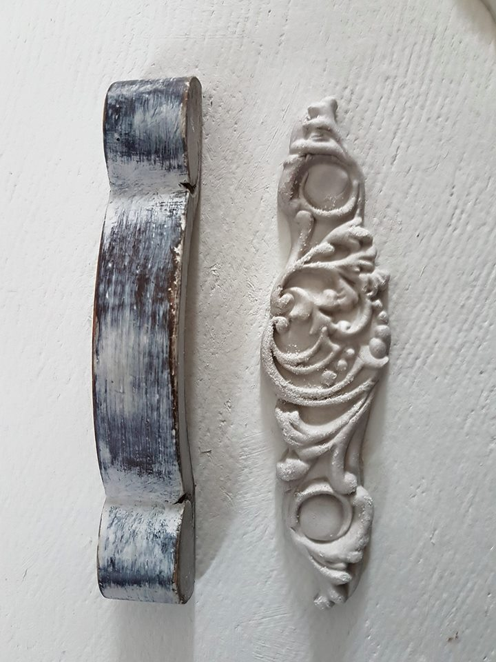 Here is what the casting will look like after you remove from the IOD mould. You can use corn starch in the mould before using clay for easy removal, but it is not necessary with IOD paper clay-it comes out clean.