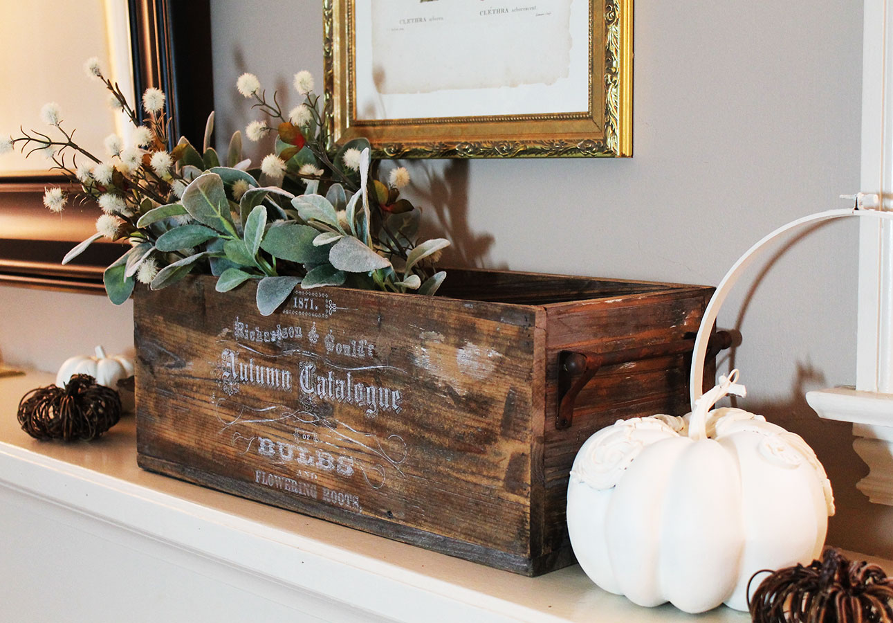 The Seed transfer adds a bit of farmhouse charm to the crate-don't you think? Go over it with fine sandpaper to age it a bit if you like!  816377-Seed Small-Whute Transfer