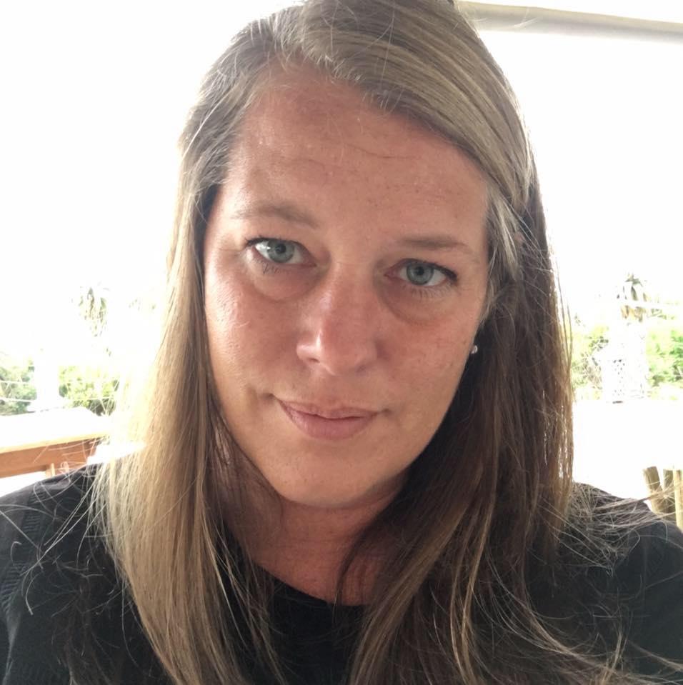 Cari Fennell - [re]design home decor marketing and social media director