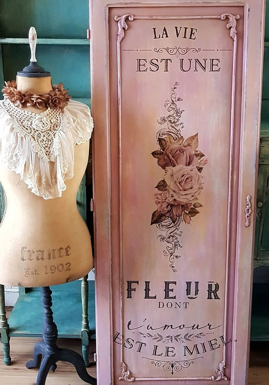 """La Vie Est Un Fleur L'Amour Est Un Miel-""""Life is the flower for which love is the honey"""".  Today, we are featuring this exquisite door by our home decor team member, Magdalena Salacinska from Secret Garden Chic. The layers of color, added depth to detail and the overall finish is so romantic, don't you think?"""
