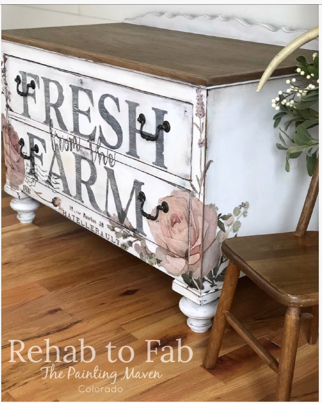 Exciting news-you can learn how to create this look by Stephanie from  Rehab to Fab ! She is one of the best designers out there and you can see her video on the Paint Finish of the Month through Jennifer Allwood....  Here are a few photos of this oak chest before and after plus close ups in between: