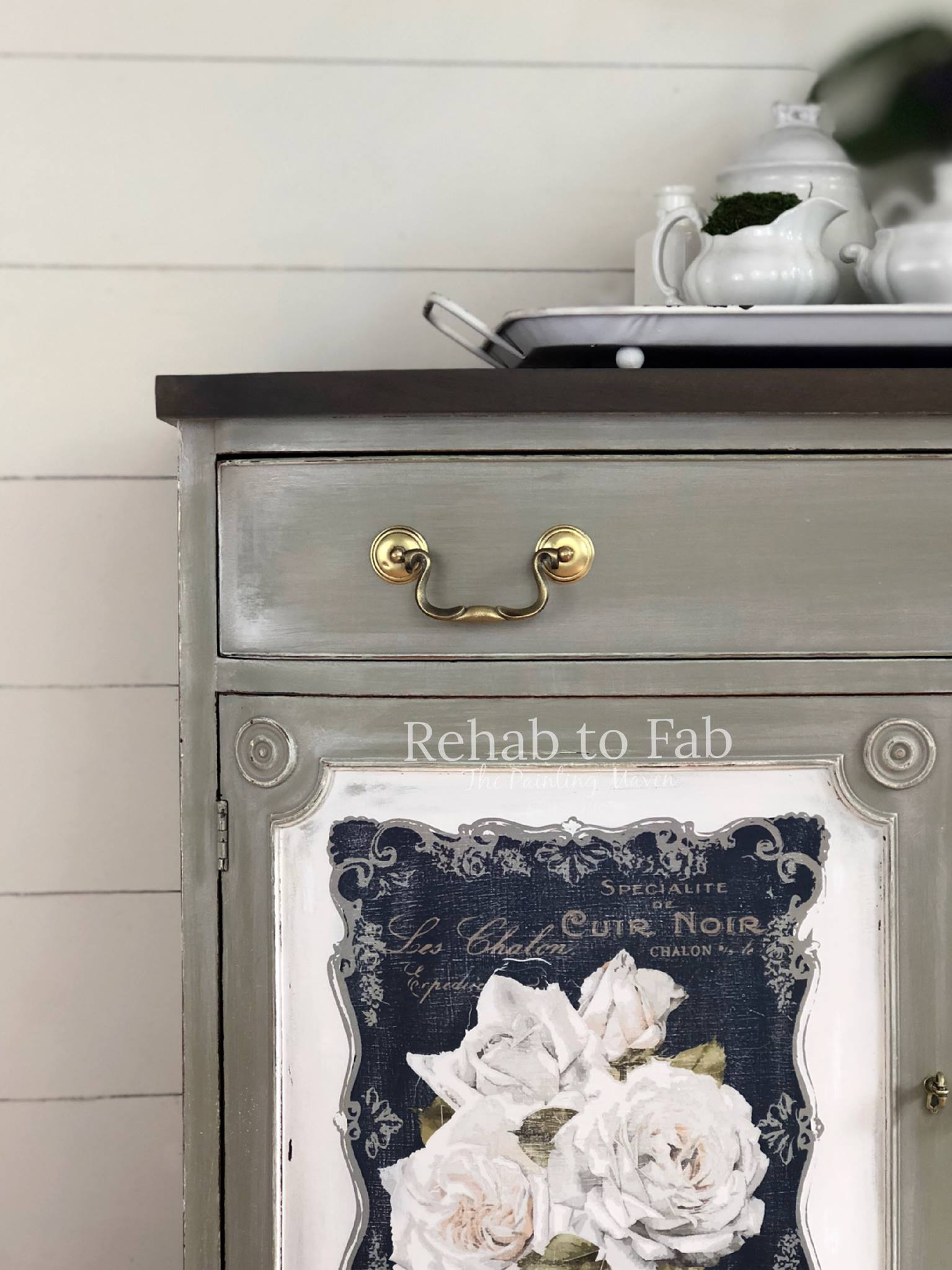 To give the transfers a vintage worn look, use fine grit sandpaper over the design. It matches the blended paint finish perfectly. She has the magic touch when it comes to finishes...