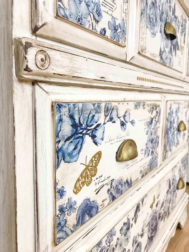 Then she added the butterflies from our Gilded Baroque Scrollwork Decor Transfer™ set in various areas within the French Ceramics design. They look like they belong on the design to begin with-pretty!