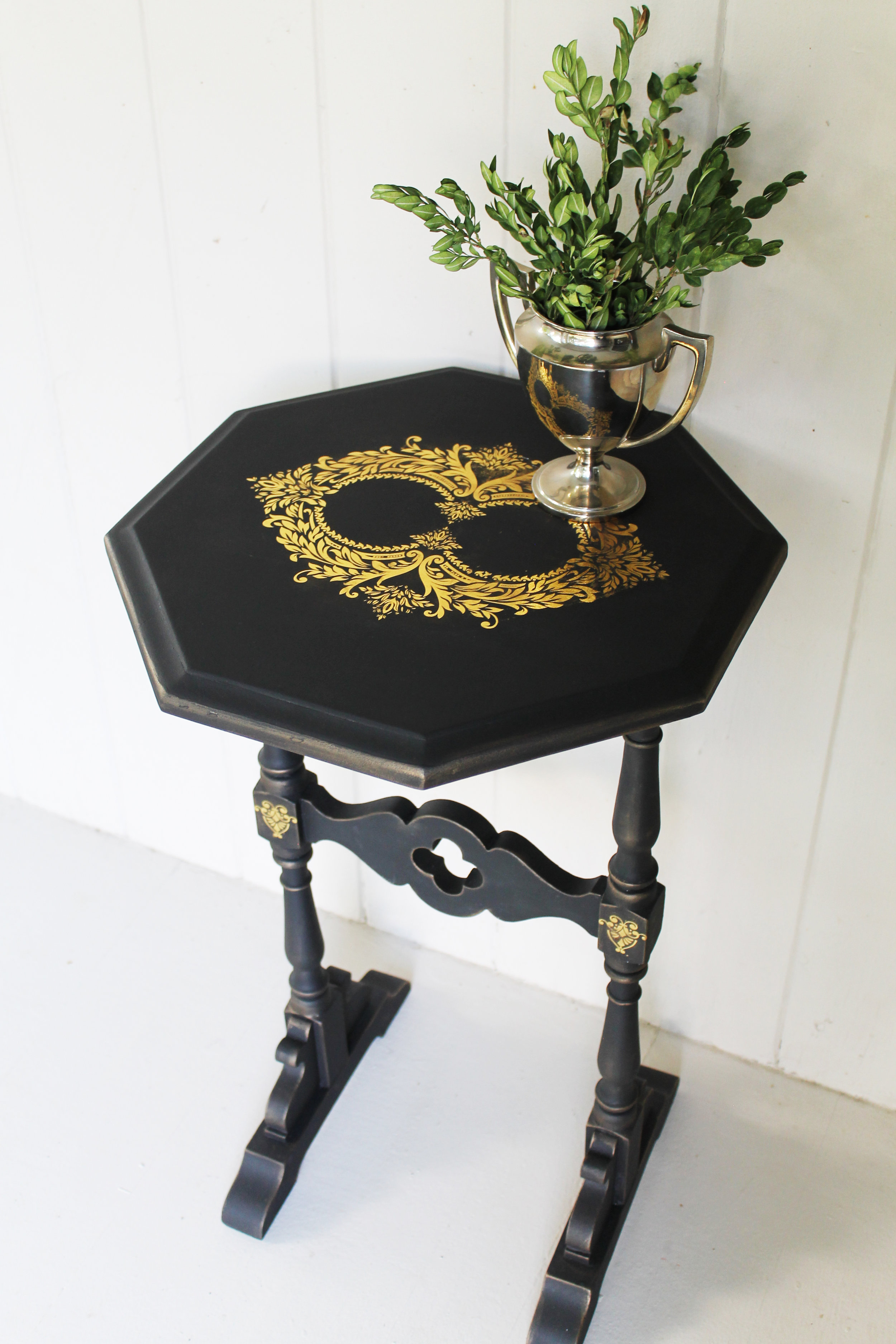 The character on this stand was very understated in its original finish. We used Caviar by Dixie Belle Paint company and it only needed one coat. But there are two coats because we just have to be sure-LOL…