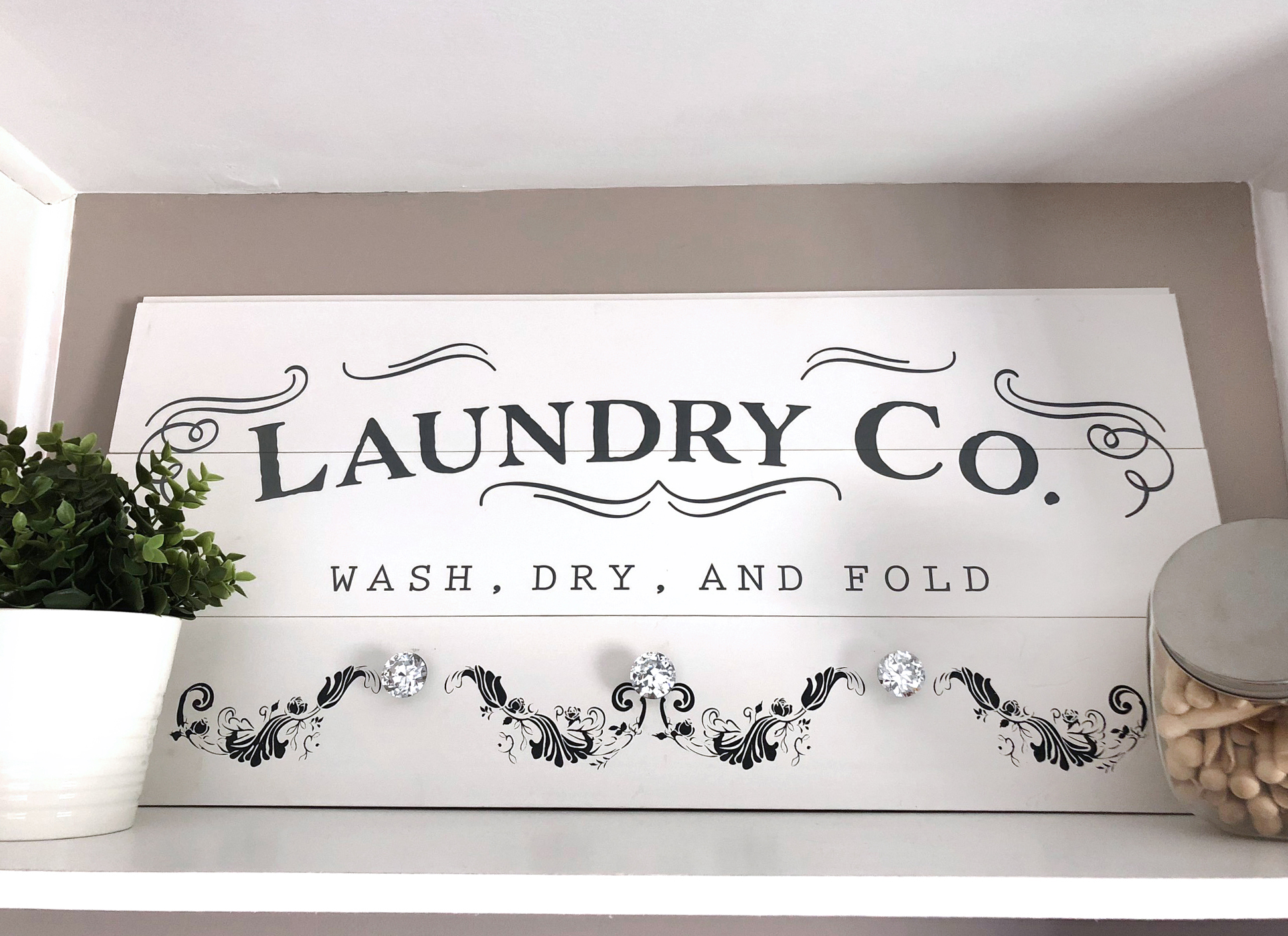 laundry-rsign-fin.jpg