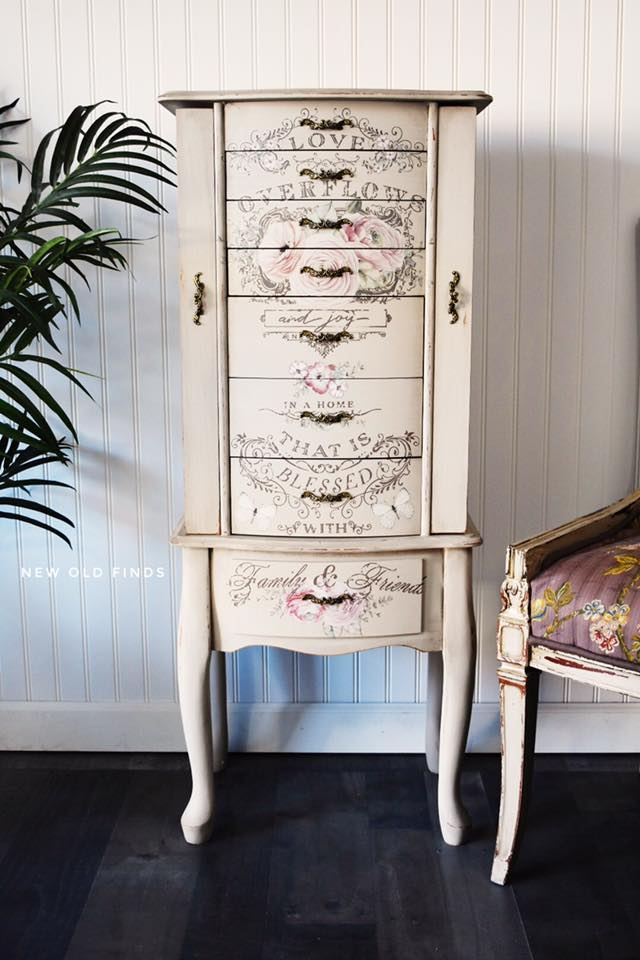 She added the Cornelle Garden design to the sides of the drawers using chalk style paint. What a fun and unexpected design element to add!