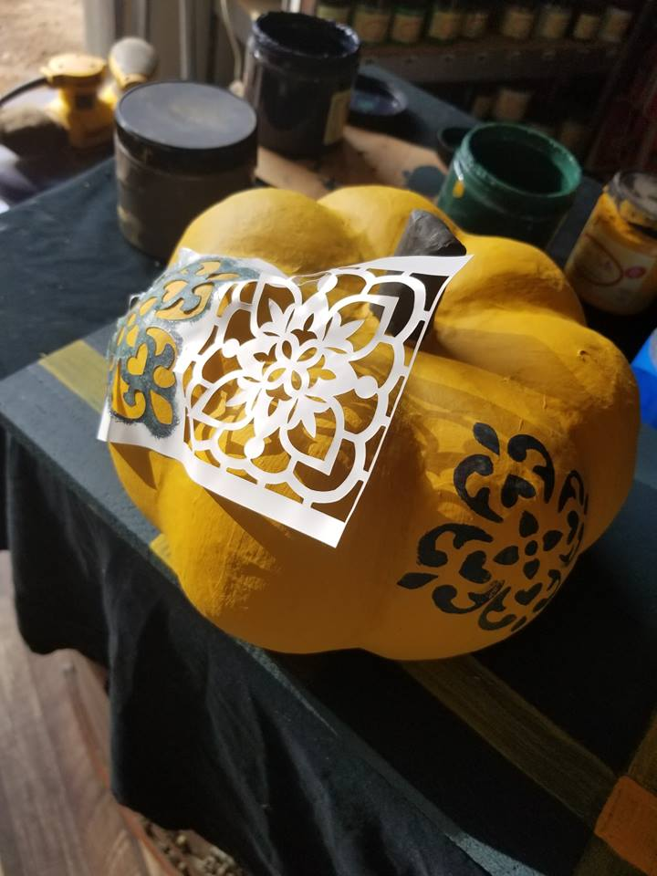 Her custom pattern is adorable on her pumpkins. Love how she mixed and matched the designs using only partial images on certain areas…