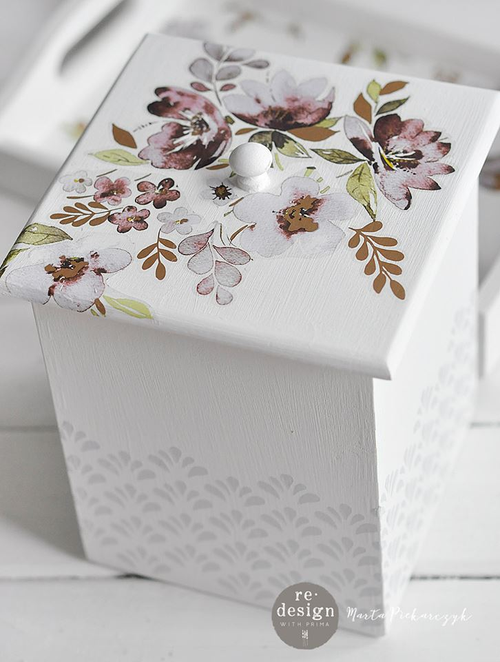 We love how this added just a bit of interest and created a beautiful effect that compliments the Lavender Fields Decor Transfer™ on the lid. Marta used the Eastern Fountain Stencil Roll and it matches perfectly with the floral petals on the transfer…