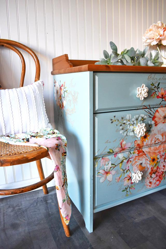 This piece is the perfect example on how to combine transfers and use furniture as your canvas. Roz has a knack for mixing  and matching designs to make them look their best. And not mention her signature finish that she applies to make them stand out.