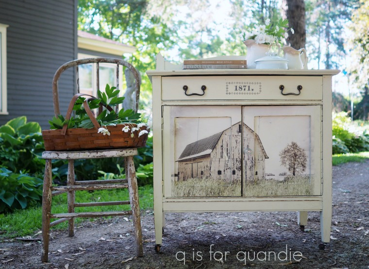 Her vision and execution of the transfer is spot on. And we just love the casters and vintage hardware too.  Out On The Farm-Decor Transfer™-640545. This transfer comes in 3 sheets and the size is 22in. x 30in. total.