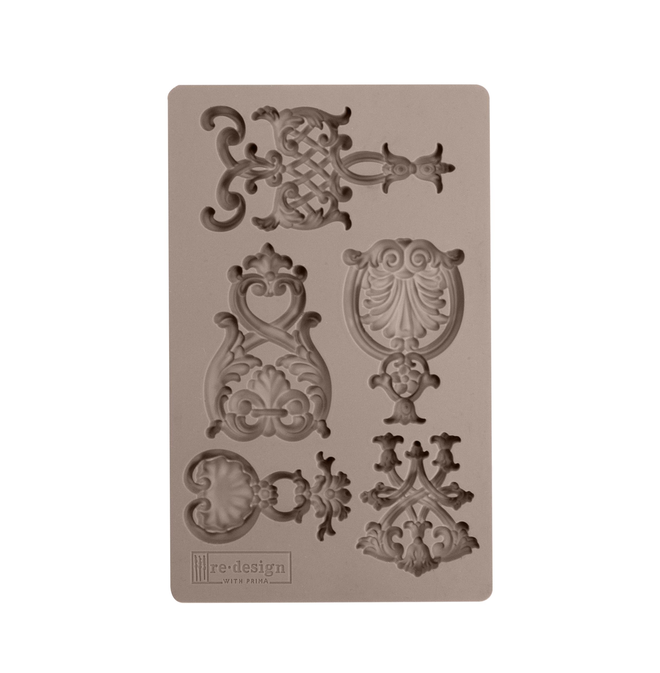 636425 Regal Emblems