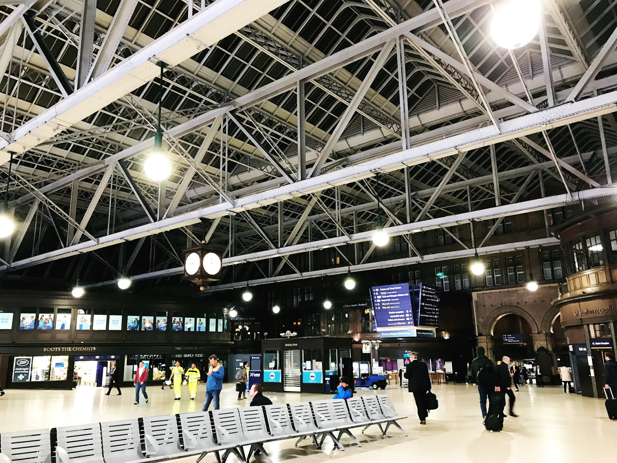 Glasgow Central Station, just before midnight