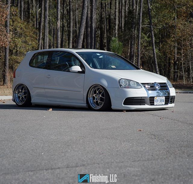 Was a nice day for a shoot.... thanks @kevin.vaf for the shot  #ceramicpolishing #vafinishing #neochrome #schmidtvnlines #schmidtwheels #vw #mkv #mkvkids #r32golf #mkvr32 #h2oi #stance #bagged #bagyardbombers #airlift #nikon #vr6 #vr6nation #welovemk5