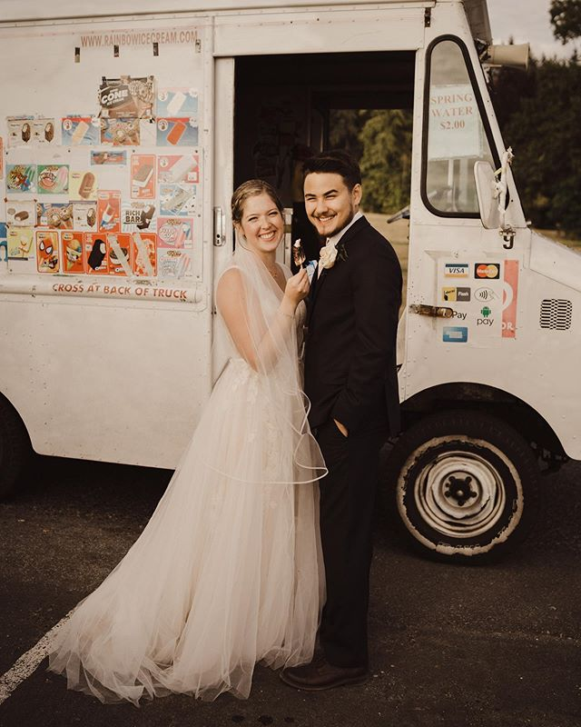 A well deserved ice cream after getting married 🙌🏻
